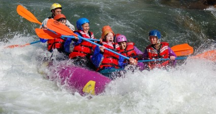 girls-rafting-trip